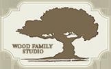 Логотип компании Wood family studio